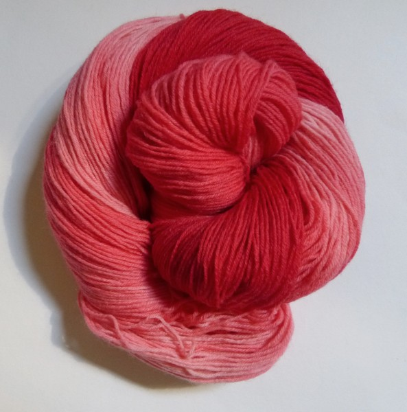 High Twist handgefärbt 100g, Ton-in-Ton Erdbeersorbet