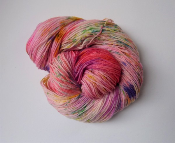 Hightwist Sockenwolle handgefärbt 100g Lieblich
