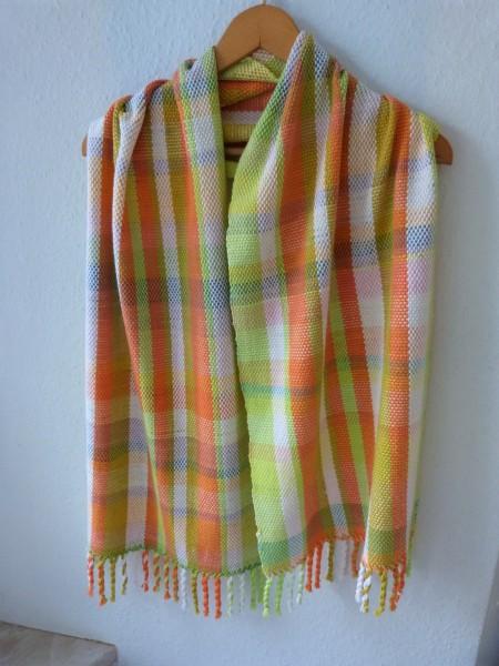 Gewebter Schal aus einem Baumwoll-Mix
