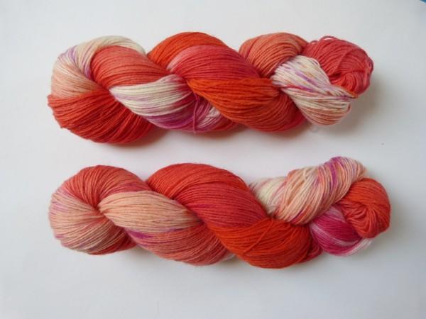 Sockenwolle handgefärbt 100g, Koralle